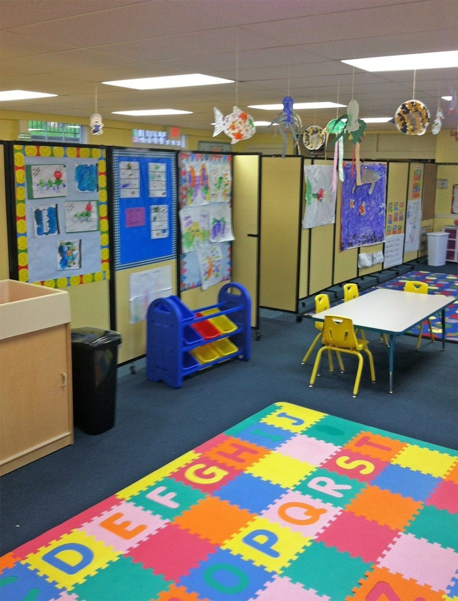 Mobile Room Divider and Pin board for School